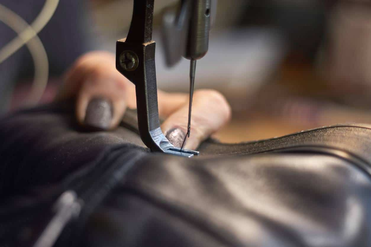 choisir une machine industrielle pour le cuir
