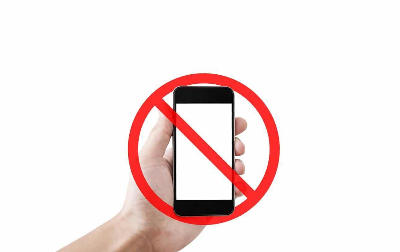 panneau d'interdiction de téléphoner