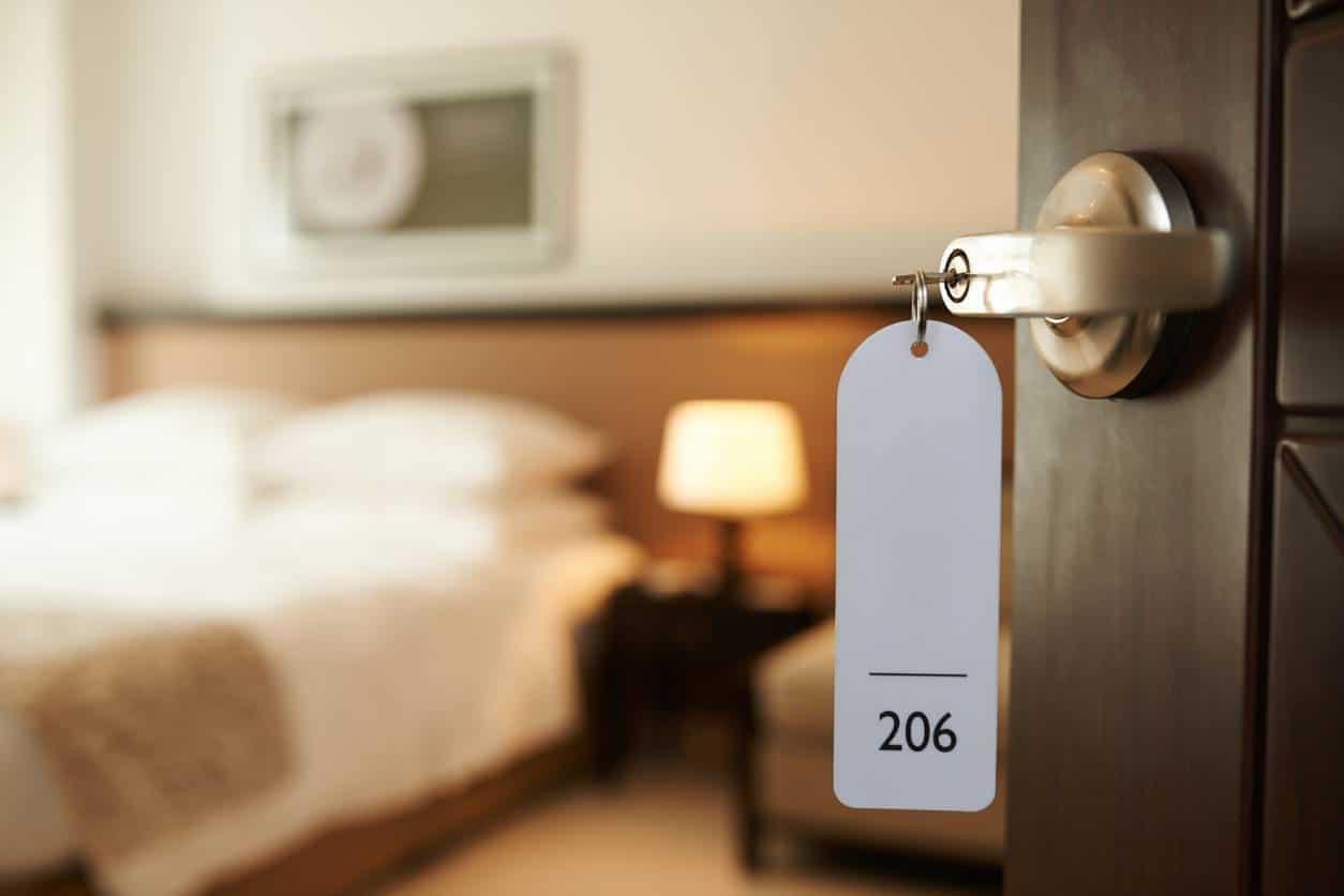 hôtel et remise des clés